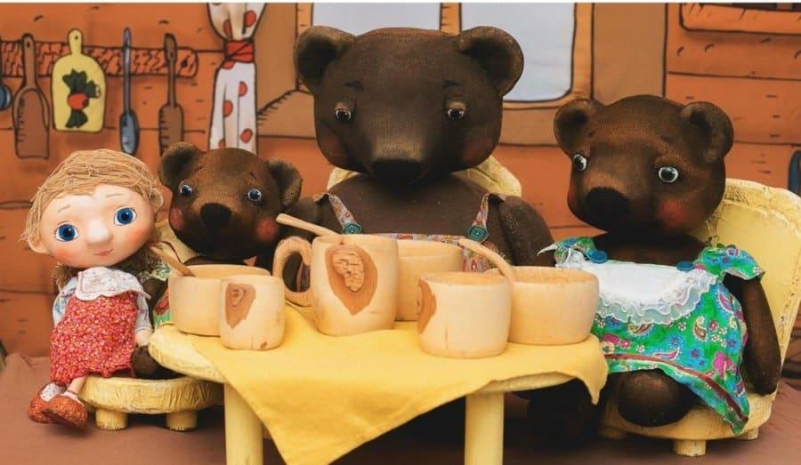 Специальная программа и спектакль «Маша и медведи» театра Тутти в Петербургском музее кукол